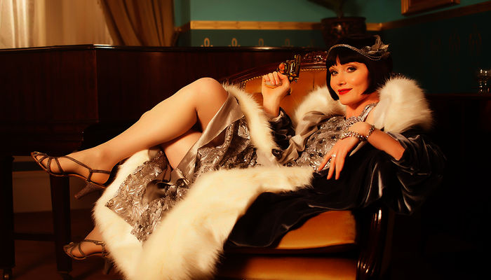 Miss Phryne Fisher (Essie Davis). Bild: Sender / WDR / Every Cloud Productions