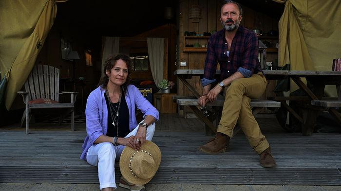 Maja (Regina Grauwiller) und Lorenzo (Robert Schupp). Bild: Sender / ZDF / Christiane Pausch